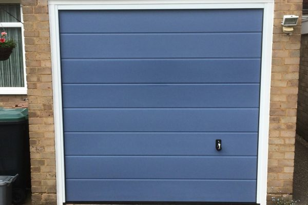 Hormann M-ribbed sectional in pidgeon blue